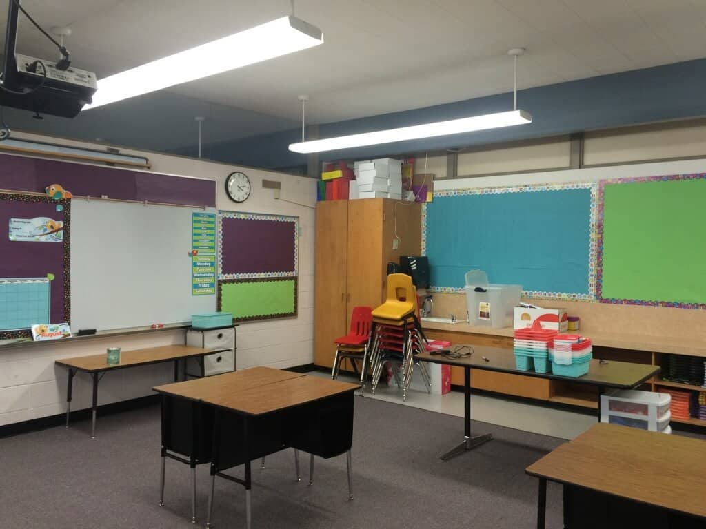Classroom makeover bulletin boards and classroom design. Rhoda Design Studio