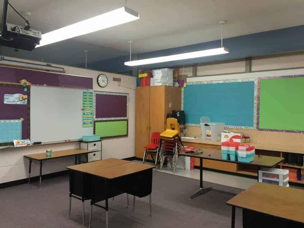 Classroom makeover bulletin boards and classroom design. Rhoda Design Studio