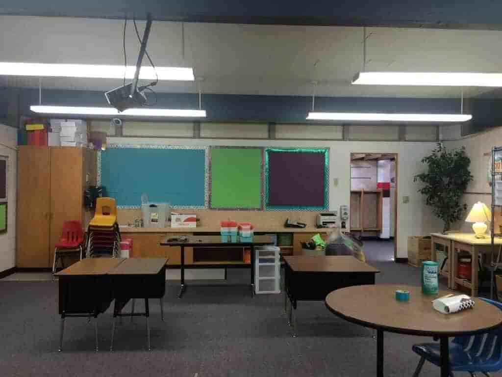 Split bulletin board. Classroom decor. Rhoda Design Studio